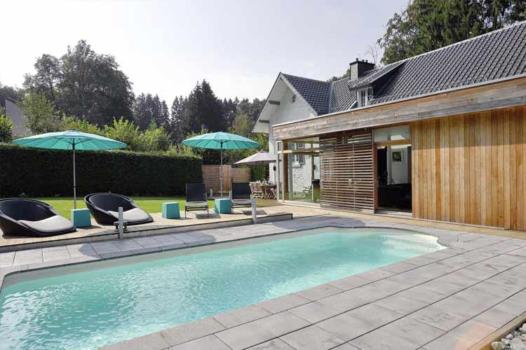 vakantiehuis met priv buiten zwembad in belgi ardennen