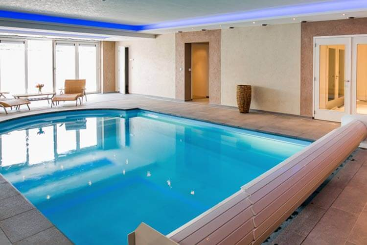 Vakantiehuis met priv zwembad in nederland belgi zuid frankrijk duitsland itali spanje etc - Zwembad met kookeiland ...